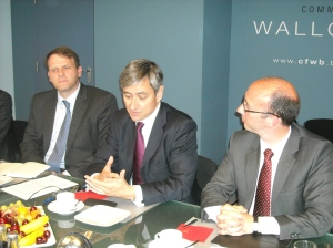 Minister President Demotte together with Philippe Rogge and Microsoft's international president Jean Philippe Courtois